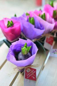 Lunlun Çiçek - 8 Mart Kadınlar Günü - toplu çiçek gönderim alternatifleri