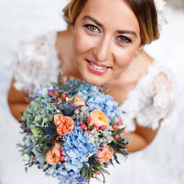 Mavi Ortancalar ve Somon Butik Güller - Gelin Buketleri - Lunlun Çiçek