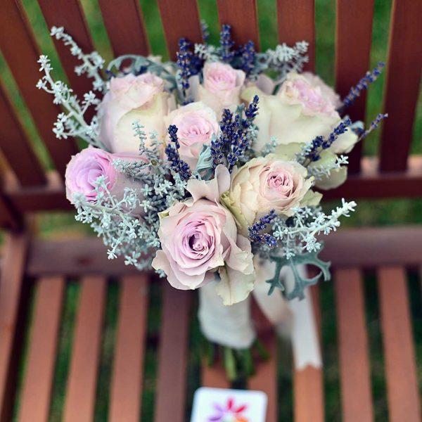 Lila Ekvator gülleriyle Gelin Buketi - Gelin Buketleri - Lunlun Çiçek